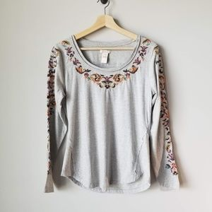 Sundance Gray Floral Embroidered Long Sleeve Tee M